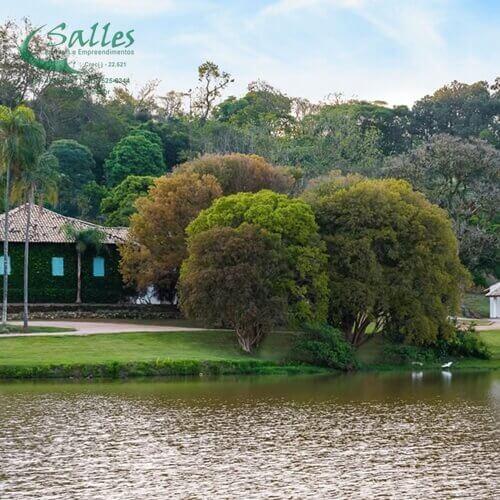 Casa Sede da Antiga Fazenda e Lago